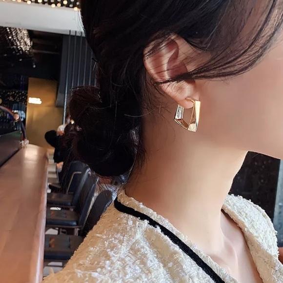 Modern gold tone square earrings